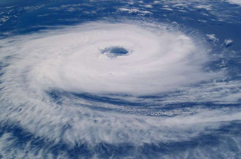 hurricane-923808