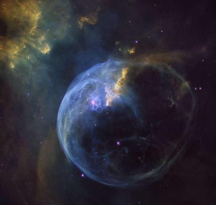 NGC 7653, gefotografeerd door de Hubble-ruimtetelescoop.