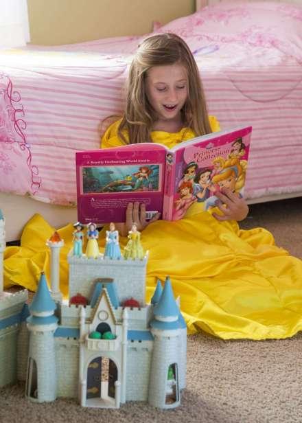 De prinsessen-cultuur is breed: van films tot speelgoed en van kleding tot boeken. Afbeelding: Mark A. Philbrick / BYU Photo.