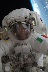 398px-ISS-36_EVA-2_v_Luca_Parmitano