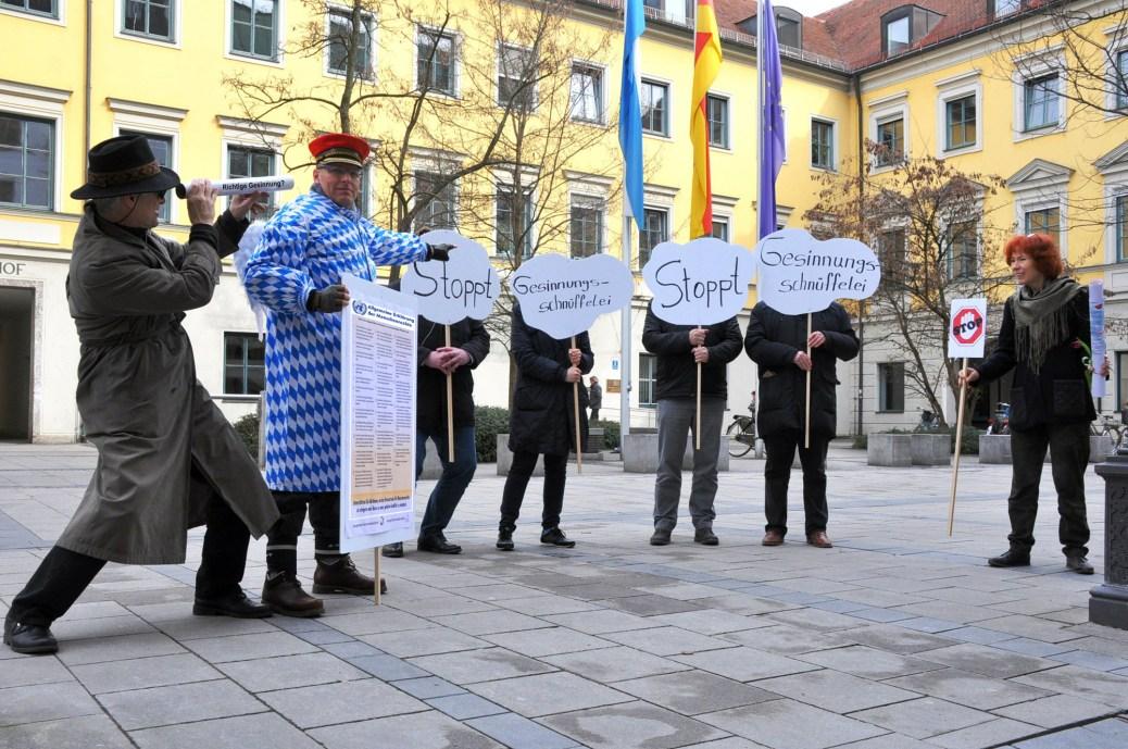 Demo gegen Gesinnungsschnüffelei im Haus der Kunst
