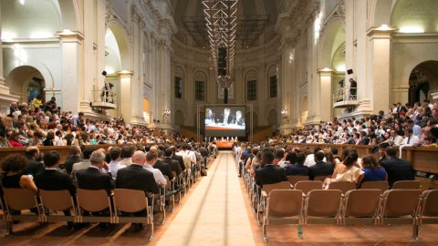 Podiumsdiskussion über die Scientology Religion