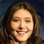 Kaylee Fryeplayed by Jewel Staite