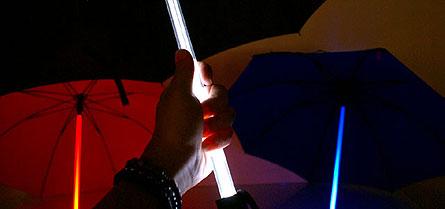 Umbrele luminoase colorate pentru toate gusturile