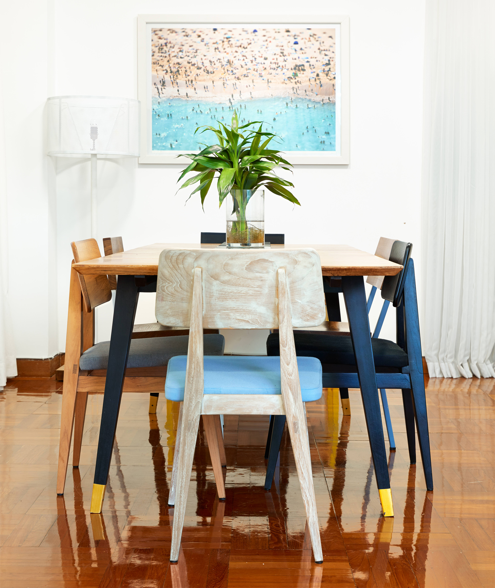 dining table and chairs hong kong sunbrella outdoor chair cushions round extendable ideas