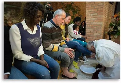 Pope washes inmate's feet in 2015