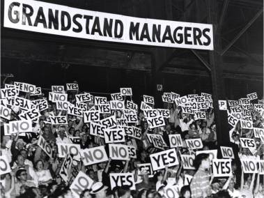 Grandstand Manager Night - Fans in the stands