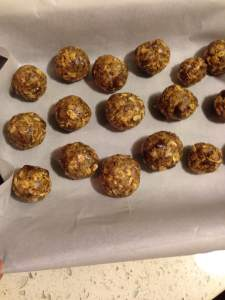No Bake Energy Bites Recipe from Gimme Some Oven