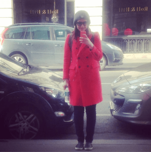 Just trying to blend in as one of those impossibly chic Parisian women (it didn't work).