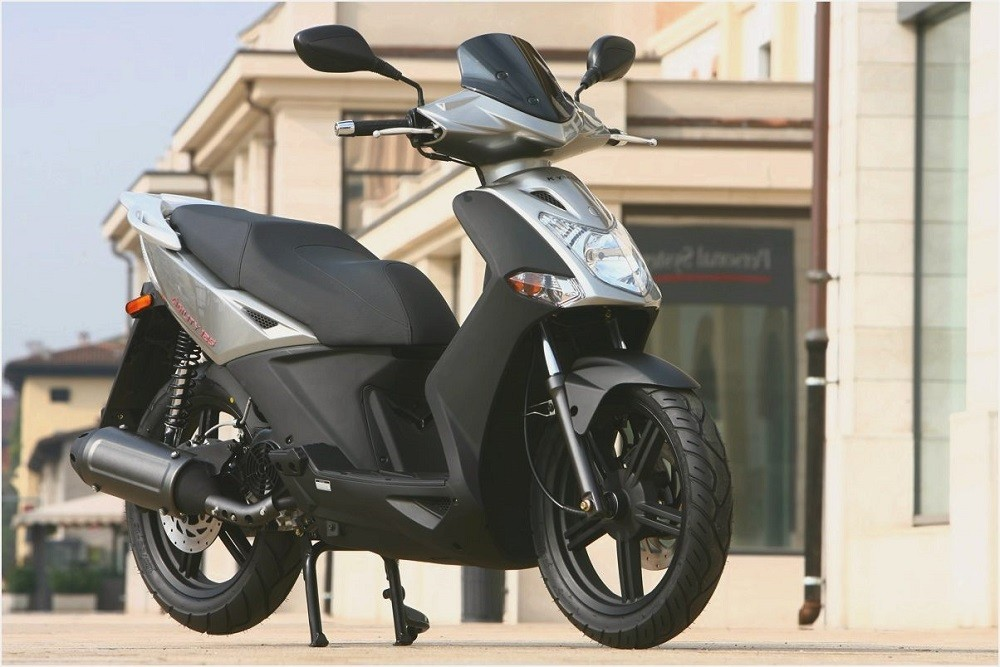 modern-buddy-scooter-review-kymco-agility-125-vs_5