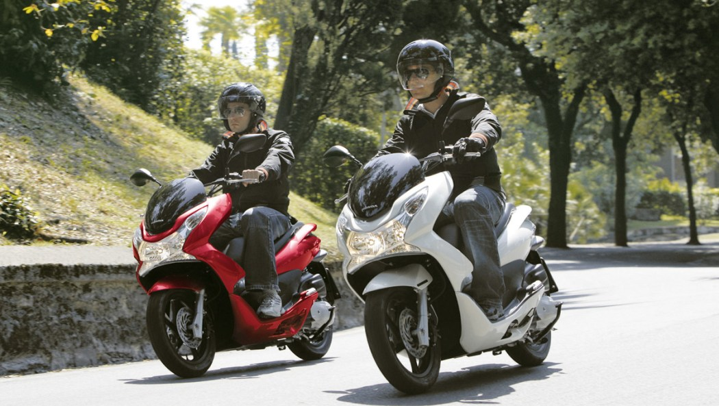 Honda PCX-150 Review from Just Gotta Scoot | ScooterFile