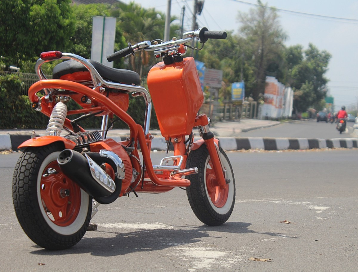 a radical custom scooter from indonesia 39 s k kustom garage