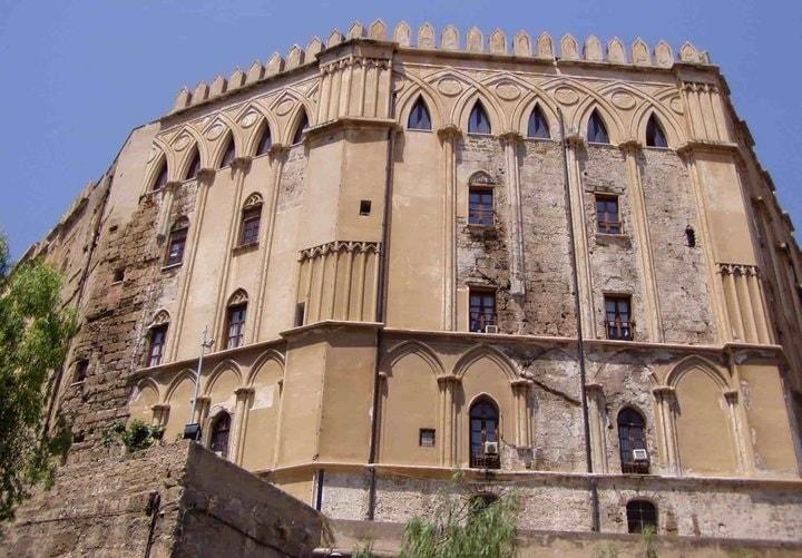 palazzo de normanni