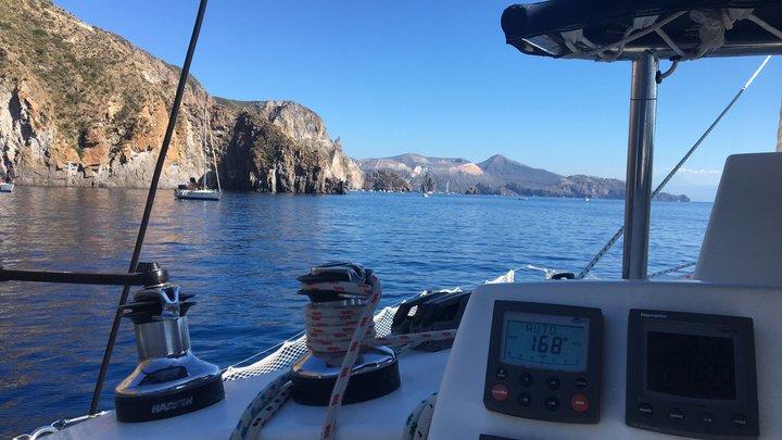 una settimana di vacanza in barca a vela alle eolie