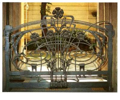 Casa Guazzoni - cancello in ferro battuto