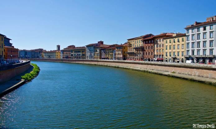 Lungarno Galileo Galilei - Pisa, Italia