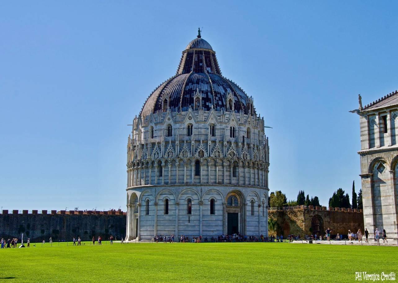 Battistero di San Giovanni - Pisa, Italia