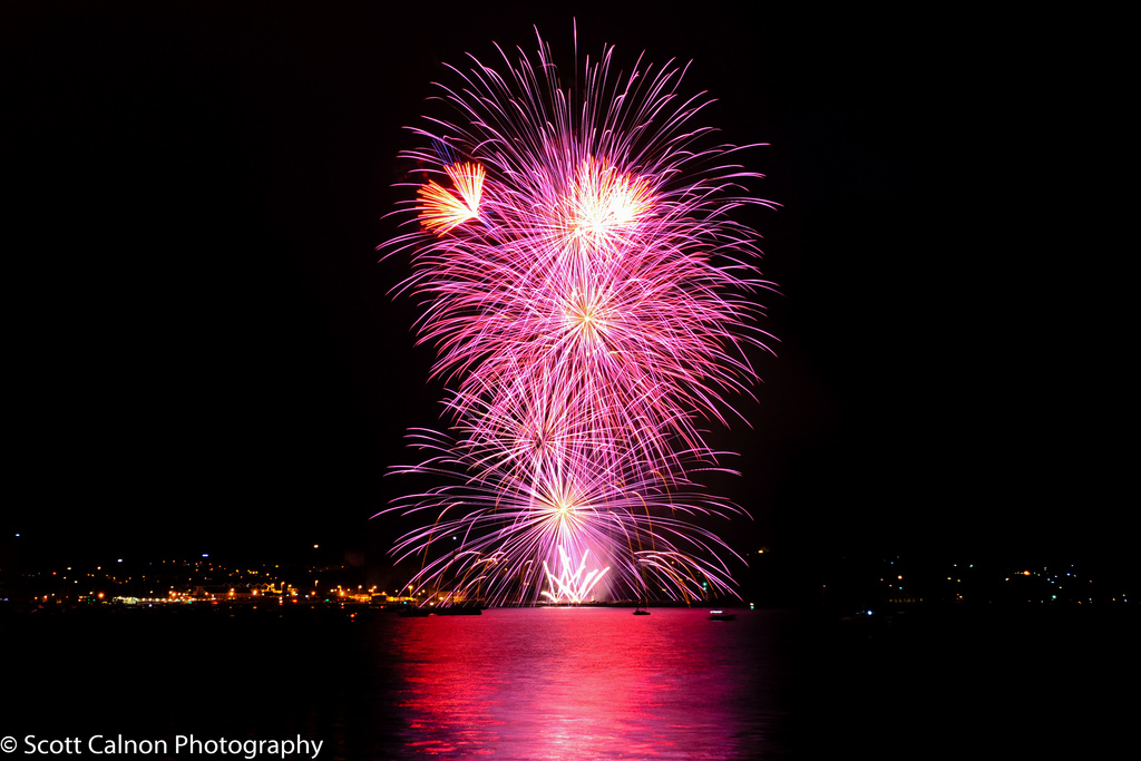 new-powerful-pinks-fireworks-event-plymouth-hoe-photography