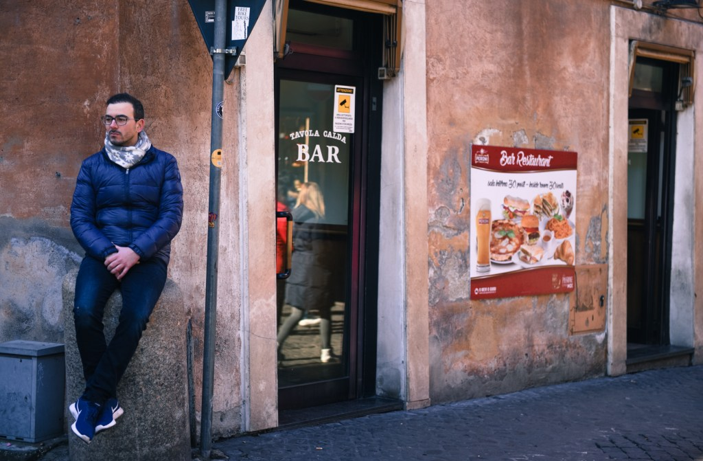 new-rome-street-photography-person