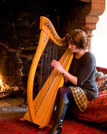 Traditional harpist  Theatre  Television  Corporate Events  Weddings  Scotland