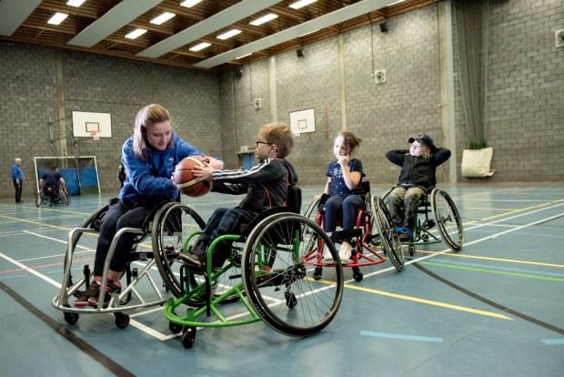 Gemma Lumsdaine coaching young players