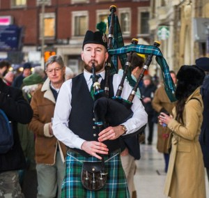 southend on sea bagpiper