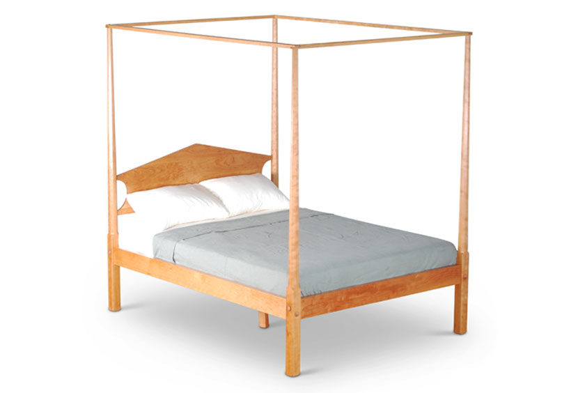 pencil post canopy bed