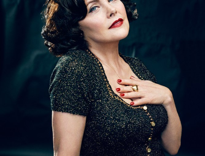 Sherilyn Fenn Interview