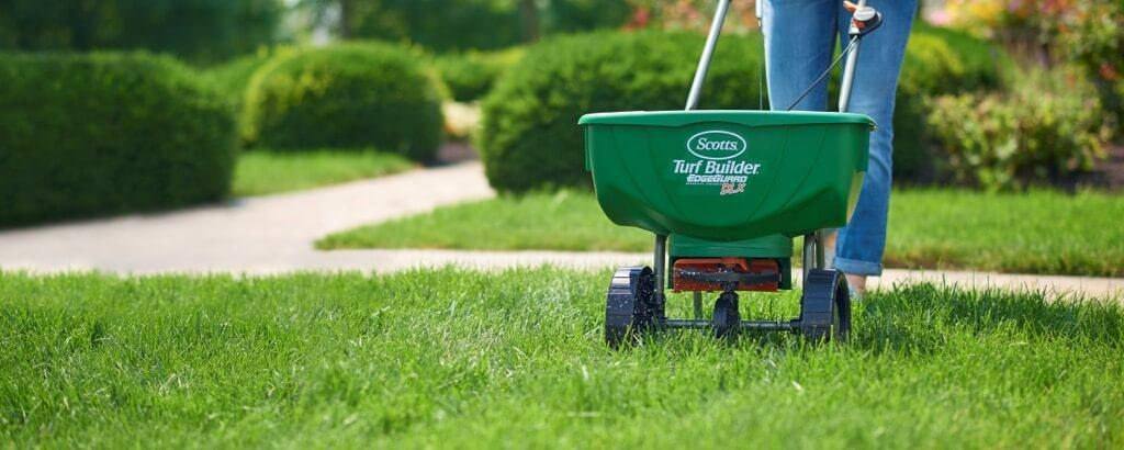 How To Mow A Lawn Lawn Mowing Tips Scotts Canada