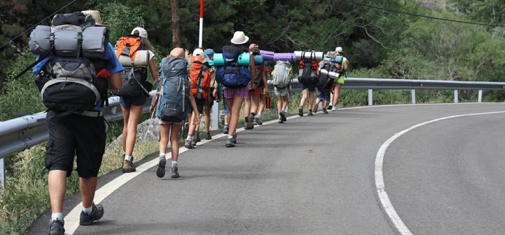 La mochila y el material necesario para las actividades scout
