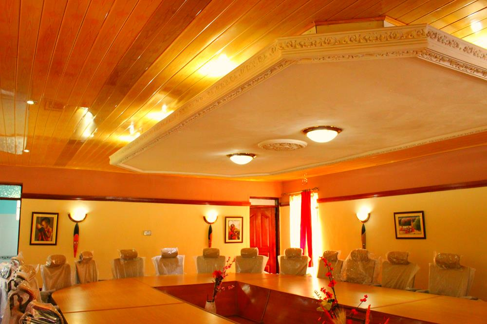 eco_lodge_board_room