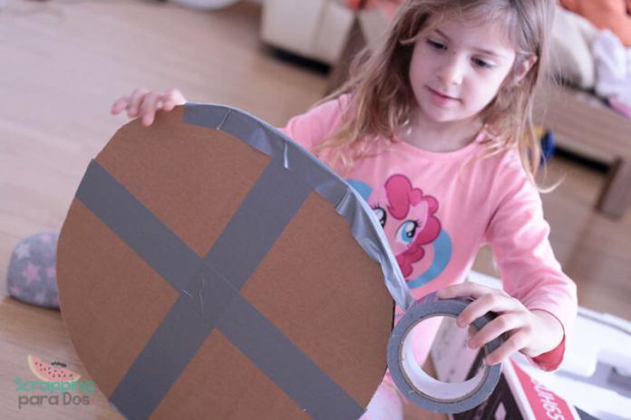 Hacer un Escudo Vikingo de Cartón en casa