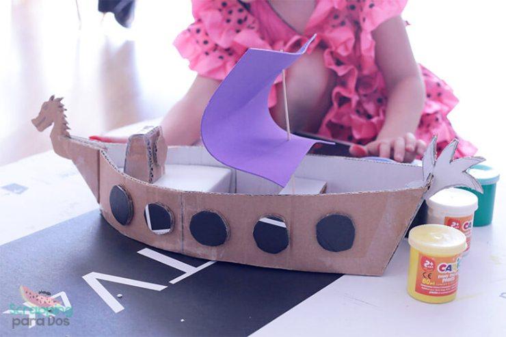 como hacer un barco de cartón