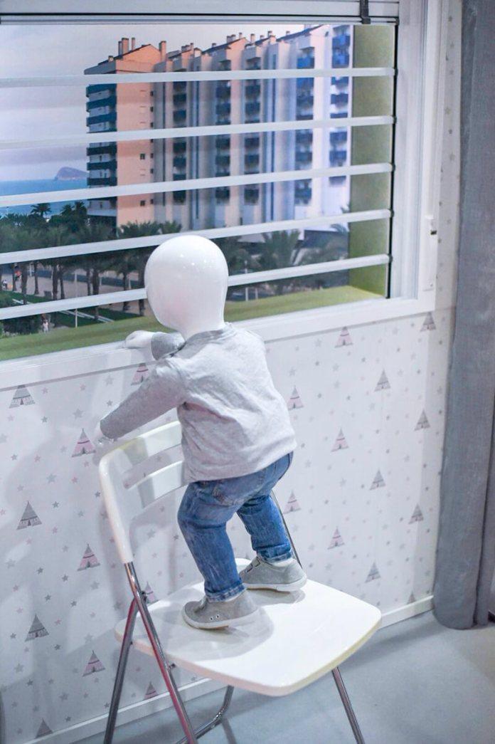 SECUPEKE Unsistema de seguridad infantil para evitar caídas por las ventanas