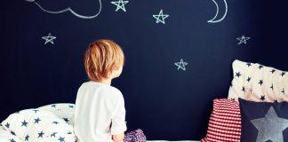 7 razones por las que los niños no quieren irse a la cama y qué hacer