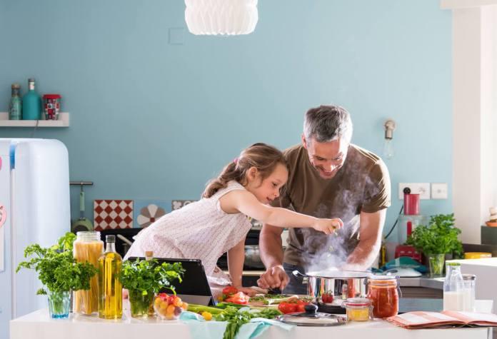 Niños cocinillas por qué la afición a la gastronomía es buena para su salud