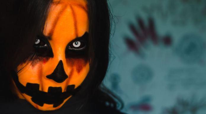maquillaje para un disfraz de auténtica calabaza de Halloween
