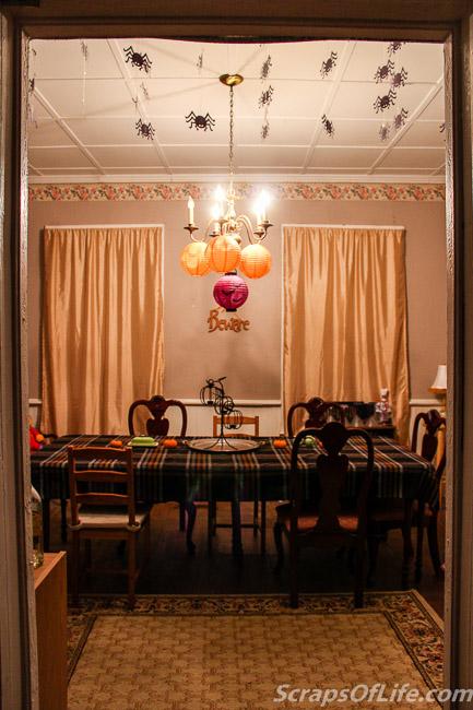 Simple Halloween Dining Room