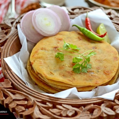Onion Paneer Kulcha: Stuffed Flat Bread (Yeast Free)