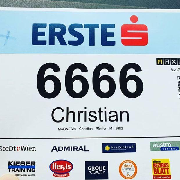 Was für eine Startnummer <3 @viennanightrun @magnesia.running #runnerdrun