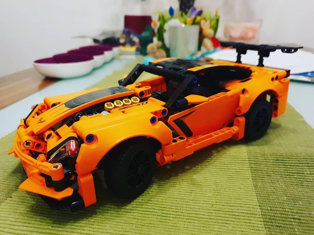 Und da ist sie auch schon fertig die #corvettezr1 von #lego #legotechnic #brickhead
