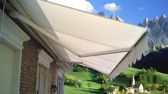 Tenda da sole modello 8000 a bracci, con fissaggio tramite staffe laterali,. Tenda Da Sole Modulare Bracci Con Supporto Braccio E Rullo