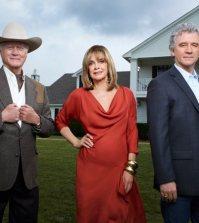 Larry Hagman, Linda Gray and Patrick Duffy in Dallas. Image © TNT.
