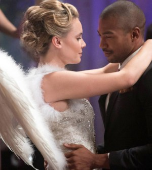 Pictured (L-R): Leah Pipes as Cami and Charles Michael Davis as Marcel -- Photo: Bob Mahoney/The CW