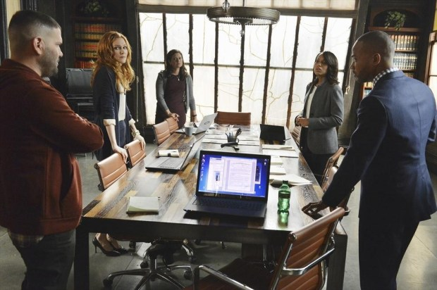(ABC/Eric McCandless) GUILLERMO DIAZ, DARBY STANCHFIELD, KATIE LOWES, KERRY WASHINGTON, COLUMBUS SHORT