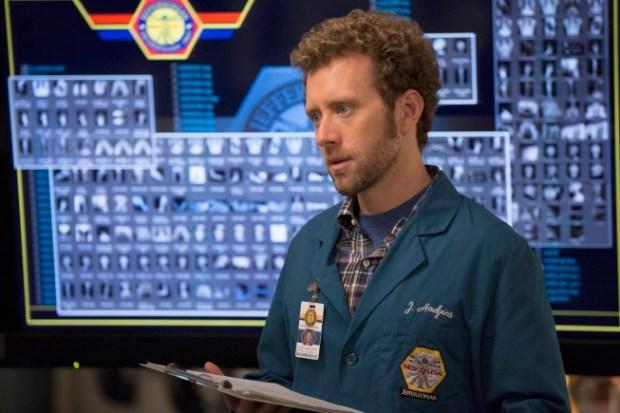 "Hodgins (TJ Thyne) works on a case in ""The Fury in the Jury""  Cr:  Jennifer Clasen/FOX"