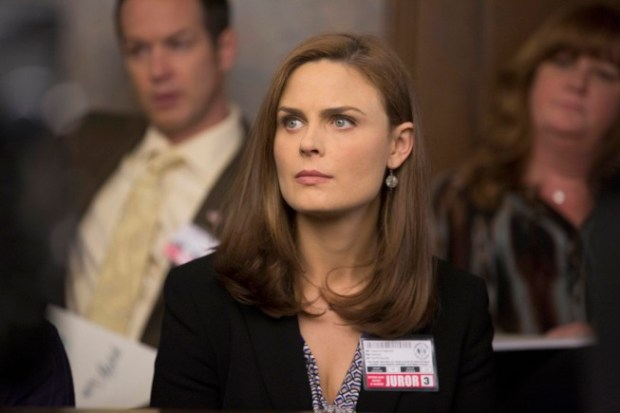 "Brennan (Emily Deschanel) is a juror on the trial of a professional soccer player who is accused of murdering his wife in the ""The Fury in the Jury"" time period premiere episode of BONES airing Friday, Nov. 15 (8:00-900 PM ET/PT) on FOX.  © 2013 Fox Broadcasting Company.  Cr:  Jennifer Clasen/FOX"