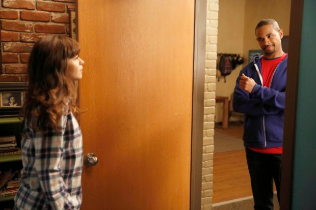 ess (Zooey Deschanel, L) tries to bond with Coach (guest star Damon Wayans, Jr., R) Co.  Cr: Greg Gayne/FOX