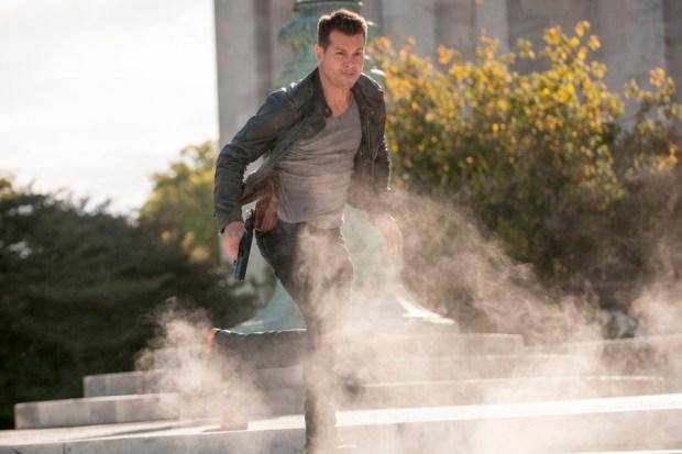 Pictured: Jon Seda as Antonio Dawson -- (Photo by: Matt Dinerstein/NBC)