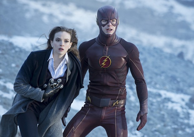 Pictured (L-R): Danielle Panabaker as Caitlin Snow and Grant Gustin as The Flash -- Photo: Cate Cameron/The CW